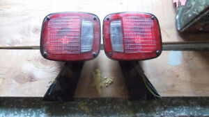 newer trailer lights in exc cond