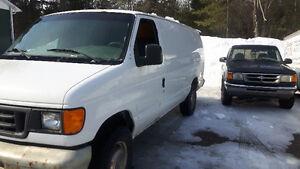 2003 Ford E-350 Minivan, Van
