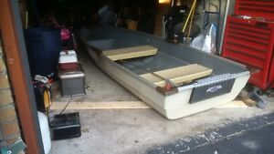 12 fft fiberglass boat.. new paint Cambridge Kitchener Area image 1