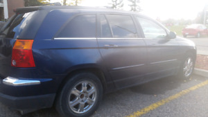 2004  chrysler Pacifica touring SUV  a very good condition and g