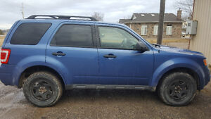 2010 Ford Escape SUV, Crossover *REDUCED PRICE*
