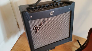 FENDER MUSTANG 1 V2 MULTI EFFECTS GUITAR AMP