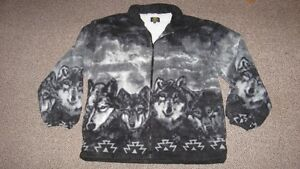 Brand New Beautiful Arctic Fleece Jacket with wolves