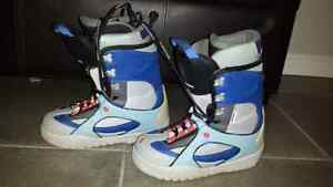 Rossignol woman snowboard boots size 8