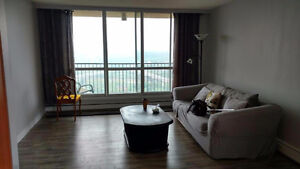 Downtown 2 bdrm River Views With Pool and Gym