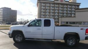 2009 GMC 1500 Ext Cab 4x4 Z71...NOBODY GETS TURNED DOWN oac