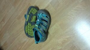 Keen Sandals youth size 1