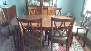 Dining table, six chairs, buffet and hutch Kitchener / Waterloo Kitchener Area image 1