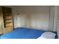 Beautiful room in friendly flat (Zone3) - £122pw!