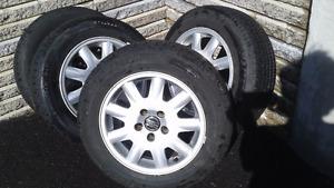 4 pneus d'été + roues mag Volvo  /  4 summer tires