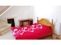 Large double rooms with en-suite in a shared house in a great location