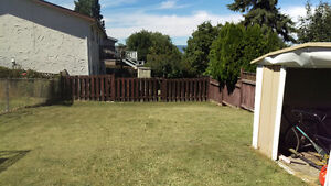 3 bed, half duplex, great family home, avail sept 1st