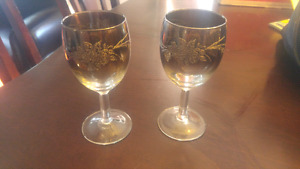 Embossed Platinum wine glasses