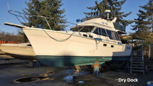 Beautiful Boat with Twin Turbo Diesels - Sleeps 6 (Sale Pending)