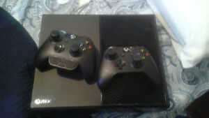 Xbox One Original - 2x Controllers - 13+ Games