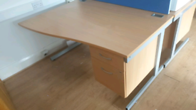 Wave desk with drawers