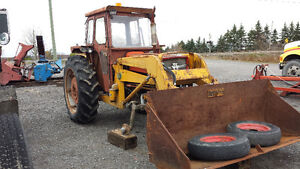Tracteur massey  furgeson 165