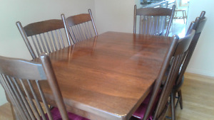 quality all solid wood dining room table +6 chairs +2  leafs