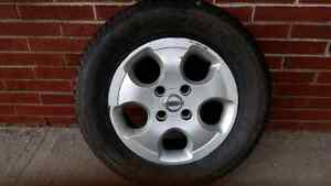Single (1 only) Nissan 15 inch hub cap