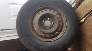 4 pneus d'hiver sur roues P255/75/R15 winter tires with rims