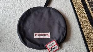 """PhotoFlex 32"""" White/Silver Round LiteDisc Reflector"""