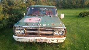 1970 gmc truck  (have papers  )