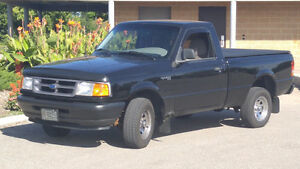 1995 Ford Ranger XL Pickup Truck 4x2 5-speed Manual 4-cylinder