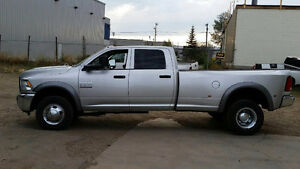 2014 RAM 3500 DUALLY 4X4 6spd   CUMMINS  MANUAL  6 SPEED