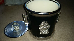 Nautical ice bucket excellent condition and very clean only $5.. London Ontario image 1