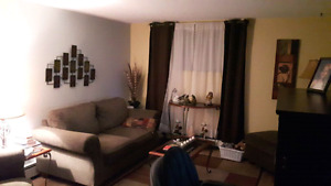 Beautiful 1 bedroom apt in home available May 1st