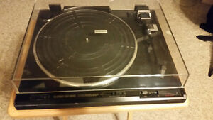 Pioneer PL-570 Turntable