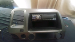 Radio alpine cda-9815 avec dash kit civic 2006 a 2011