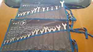 Metric and standard 16 pce jet combination wrench set
