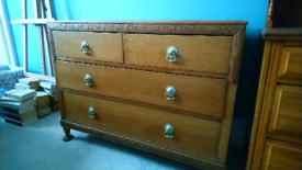 Beautiful oak chest of drawers