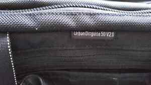 Thinktank Urban Disguise 50 Laptop and Camera Bag Kitchener / Waterloo Kitchener Area image 4