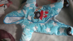 Bunting suit 3M boys- like new condition