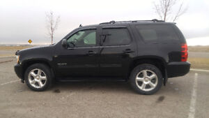 2012 Chevrolet Tahoe/Mint condition/Third row seating