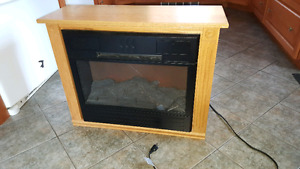 1500 W Electric fireplace, great condition!