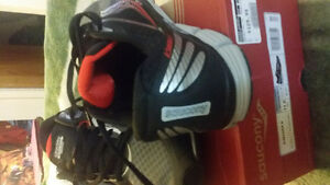 size 11.5 men's running shoes