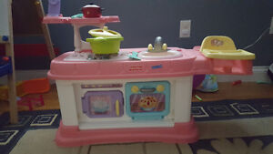 2 Step Fisher Price Kitchen and food