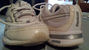 Reebok Easy Tone - Great condition Gatineau Ottawa / Gatineau Area image 2