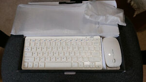 LB1 Wireless Keyboard And Mouse Combo