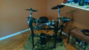 Roland TD-9 Electronic Drum Set (with updates)