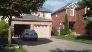 Available Right away 3 bedroom house in Quite Aurora