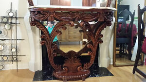 CONSOLE WITH ONYX TOP AND MIRROR