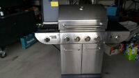 Barbecue for sale in a great condition with side burner on left
