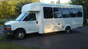 Bus Chevrolet Express  4500