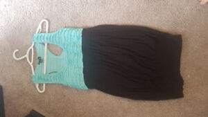 Six women's dresses for sale Or trade