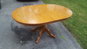 Solid Oak Dining Table. Free delivery within Aurora