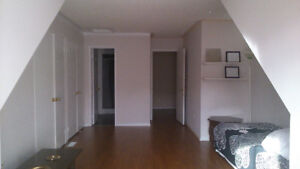 Richmond Hill Loft for a single full time employed Female